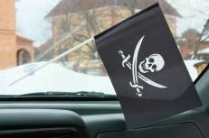 Флажок в машину с присоской Пиратский с саблями фото