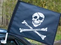 Флаг на машину с кронштейном Пиратский «С повязкой»