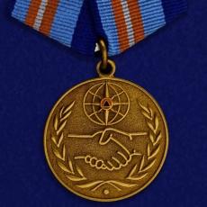 Медаль «За содружество во имя спасения» МЧС России фото