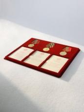 Планшет на 3 медали с удостоверениями фото